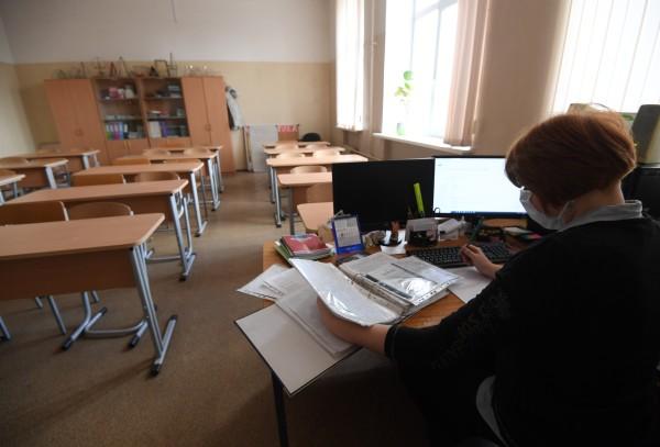 Учителей обязали приходить на работу во время карантина на Ставрополье