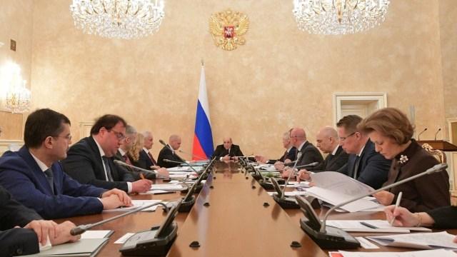 Более 33 млрд рублей выделит на борьбу с коронавирусом Правительство России