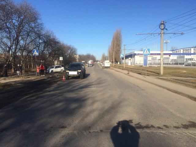 Ребенка с матерью сбил на пешеходе «Мицубиси» в Пятигорске