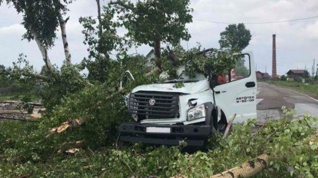 Населенный пункт сдуло ураганом в Кузбассе