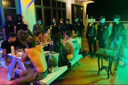 Вопреки режиму ЧП россияне в Таиланде устроили вечеринку