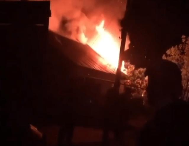 Несколько частных домов повреждено огнем в станице под Пятигорском