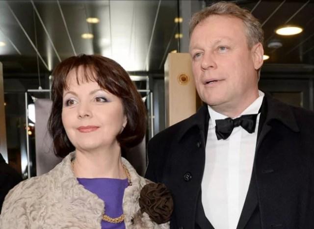 Актёр Жигунов отсудил недвижимость у своей супруги