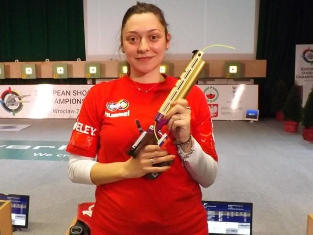 После тяжелых родов скончалась известная сербская спортсменка