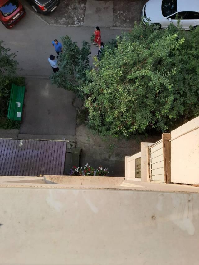 Серьезные травмы получил выпавший из окна ребенок в Пятигорске