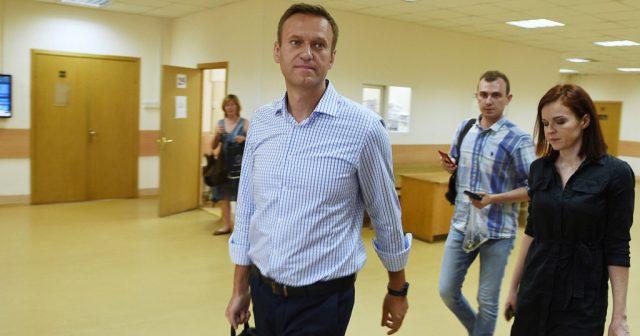 Отек мозга диагностировали врачи у попавшего в больницу Алексея Навального