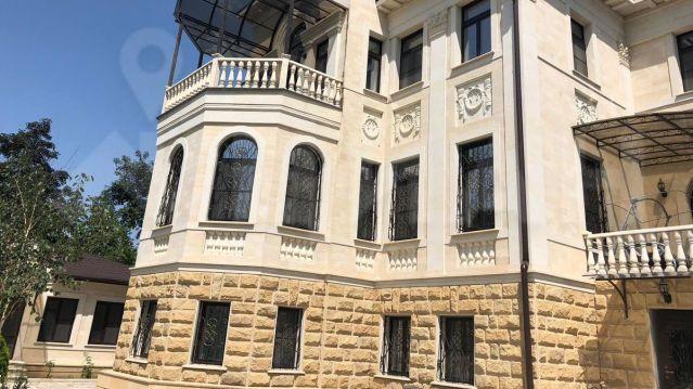 За 200 млн рублей продают элитный коттедж в Кисловодске