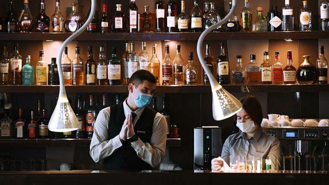 В Москве ввели ограничения на посещения баров и клубов