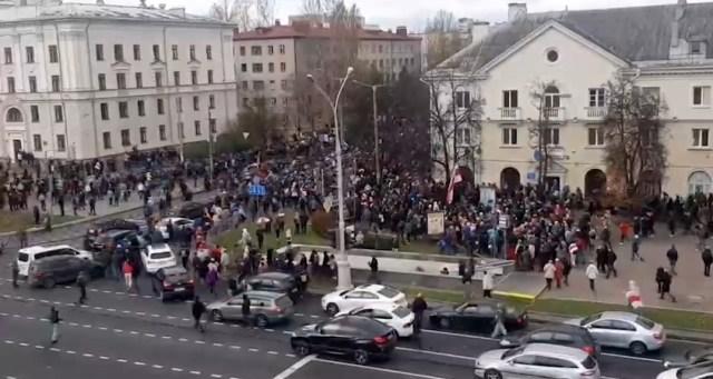 """Несогласованная акция протеста """"Марш против террора"""" началась в Минске"""