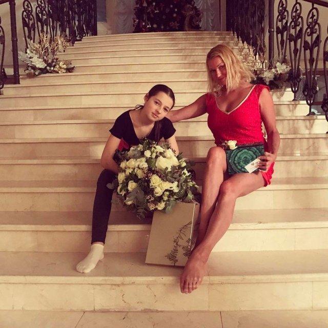 Анастасия Волочкова больно переживает предательство дочери