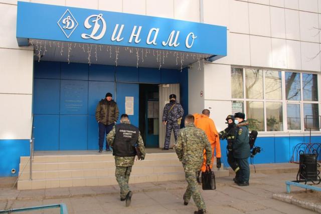 32 посетителя бассейна отравились хлором в Астрахани