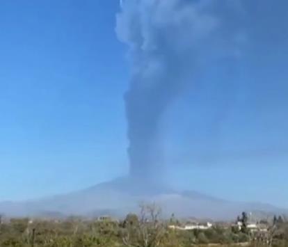 На Сицилии новое извержение вулкана