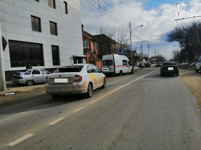 «Скорая помощь» и такси попали в ДТП в Ставрополе