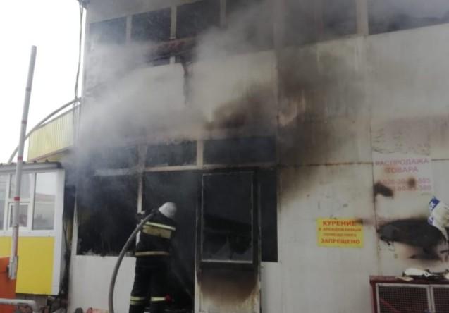 Привокзальный рынок загорелся в Пятигорске