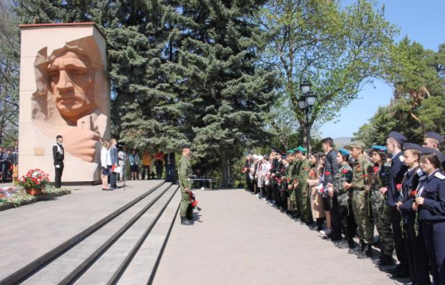В Кисловодске прошла перекличка героев Советского Союза и полных кавалеров орденов Славы