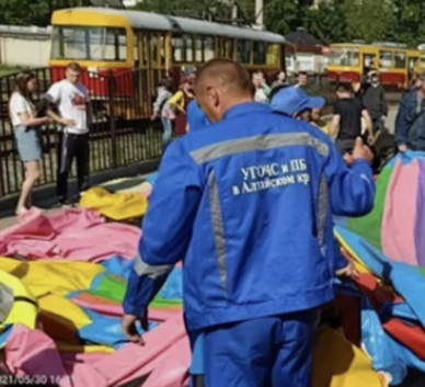 В Барнауле взорвался батут, на котором прыгали дети