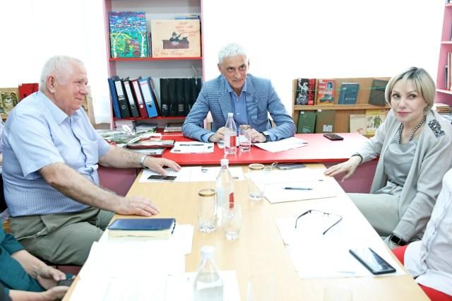 Краевые депутаты ознакомились с успешным опытом адаптации воспитанников детских домов