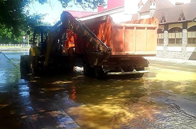 Из-за коммунальной аварии без воды остались жители Невинномысска