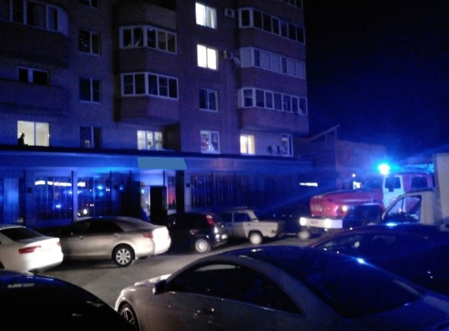 В Ставрополе тушили загоревшийся ресторан