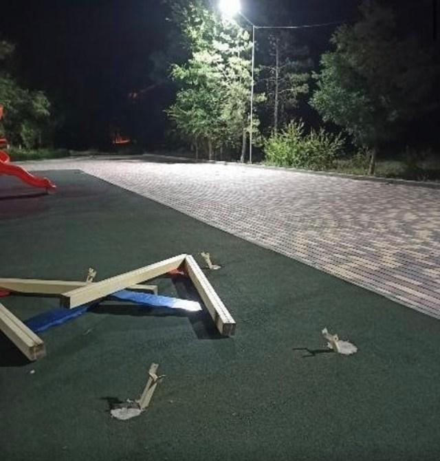 Малолетние вандалы похозяйничали в игровом комплексе Нефтекумска