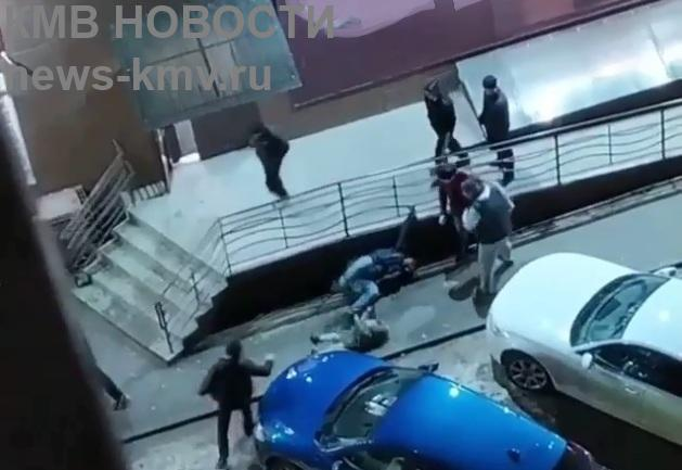 Избившие мужчину с ребёнком в Ставрополе парни отправятся за решётку