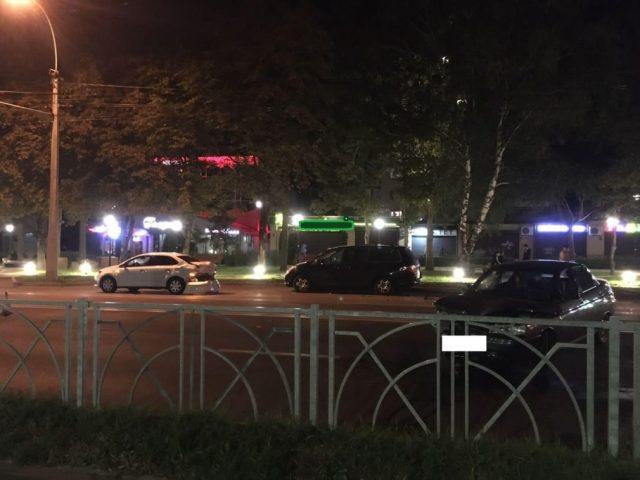 Тройную аварию устроил молодой водитель в Ставрополе