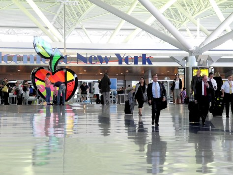 Arriving at JF Kennedy International Airport, New York. The Obama Administration is enhancing security measures for the visa waiver program under which 20 million foreign visitors enter the US © 2015 Karen Rubin/news-photos-features.com