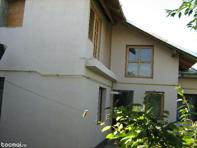 Oferta: casa cu 4 camere, P+M, doar 43.000 de euro!
