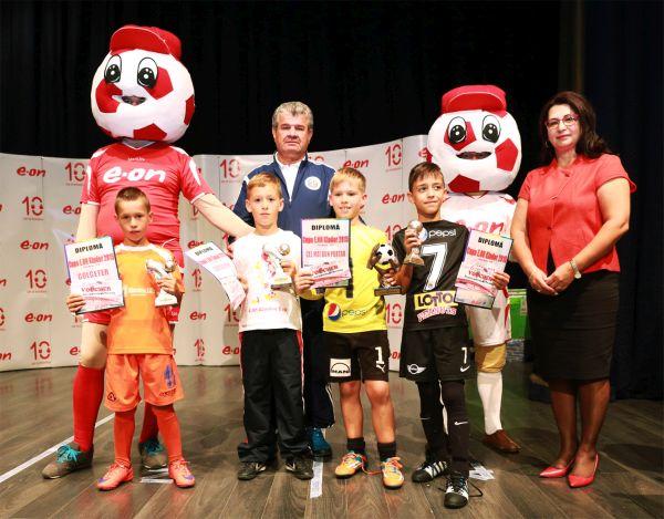 Echipele câştigătoare la Cupa E.ON Kinder 2015