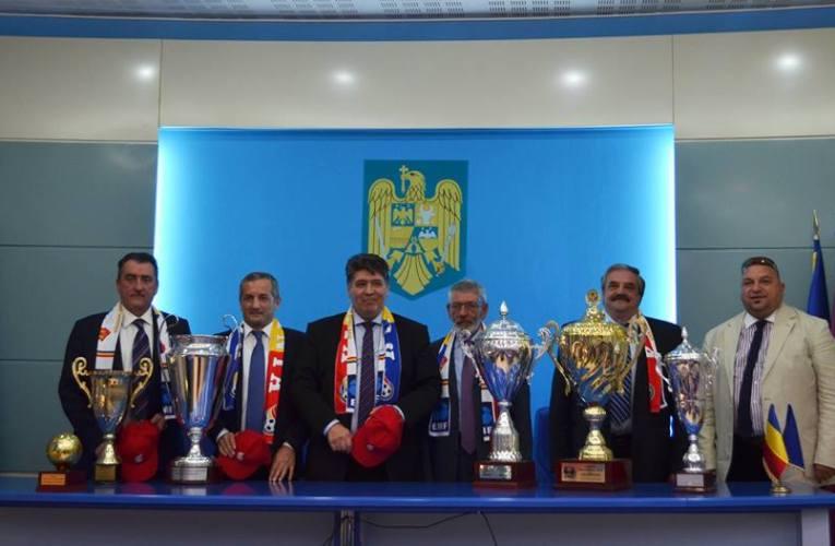 Trofeele de la Minifotbal au ajuns la Roman