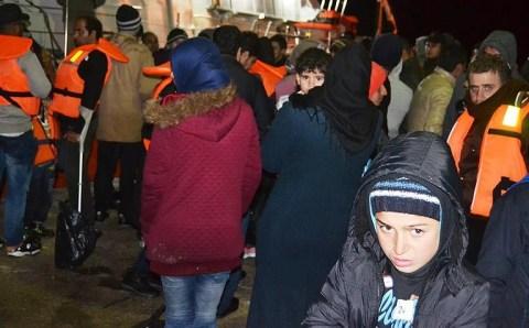 Лодка с мигрантами перевернулась у берегов Турции