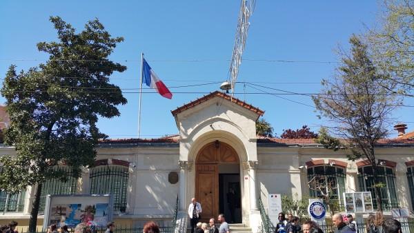 Французам рекомендовано обходить сегодня Консульство России в Стамбуле