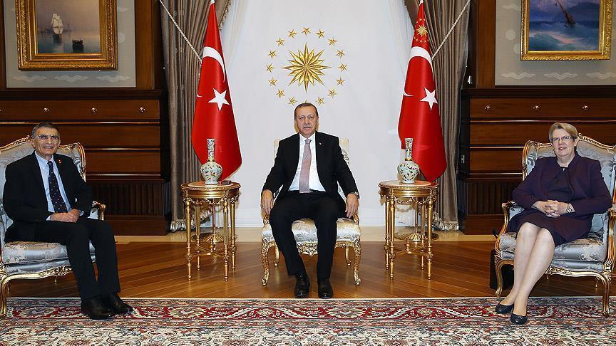 Эрдоган принял Нобелевского лауреата Азиза Санджара