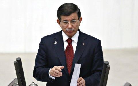 Ахмет Давутоглу осудил теракт в Брюсселе