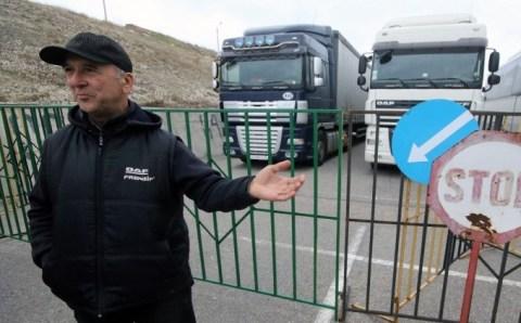 Крымских дальнобойщиков доставили домой из Зонгулдака