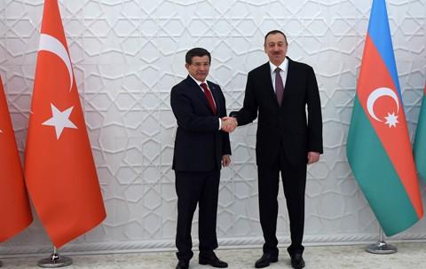 Турция согласовала с Азербайджаном ускорение строительства газопровода