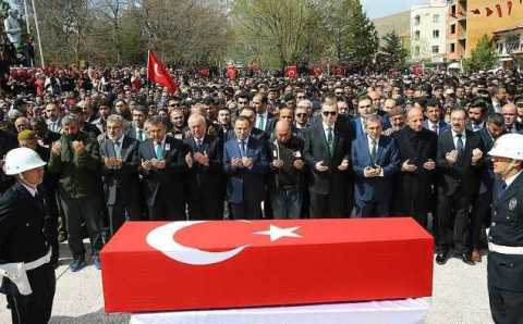 Эрдоган посетил похороны спецназовца