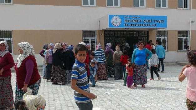 Родители не хотят видеть сирийцев в новой школе