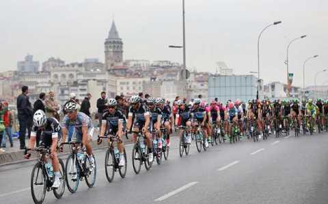 Сегодня дороги Стамбула будут заняты спортсменами