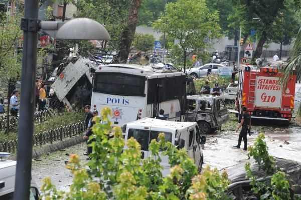 Подрыв полицейского автобуса в Стамбуле