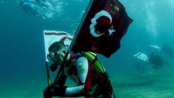 Турецкий аквалангист собирается побить мировой рекорд