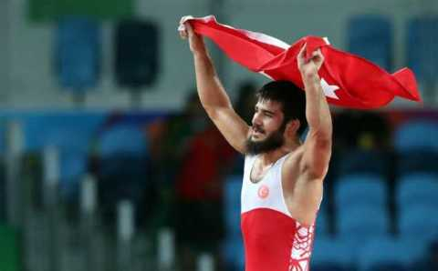 Турецкий борец принес стране еще одну медаль