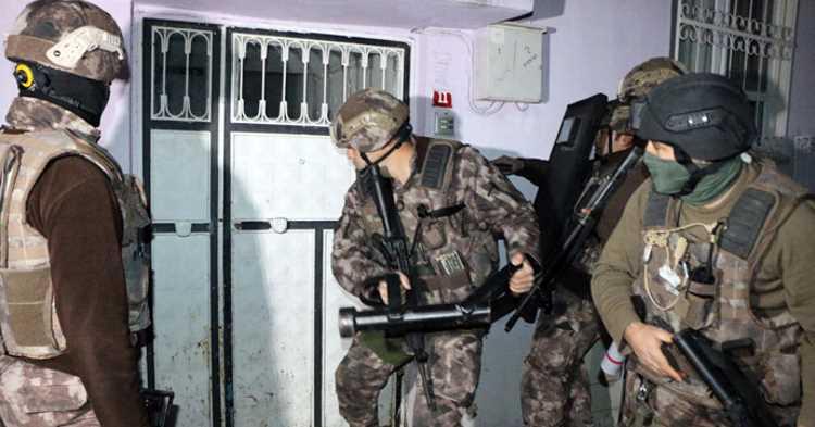 Полиция задержала депутатов HDP в Стамбуле