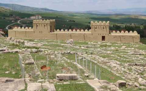 Туристы смогут пожить в 3500-летней деревне