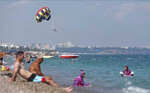 Аномально теплое начало октября в Турции