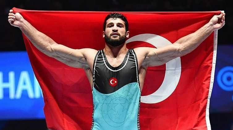 Метехан Башар — чемпион мира по греко-римской борьбе