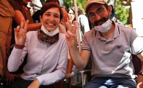 Преподаватели прекратили 324-дневную голодовку