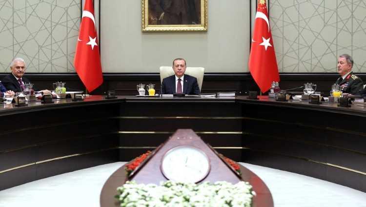 СНБ Турции решил продлить режим ЧП на 90 дней