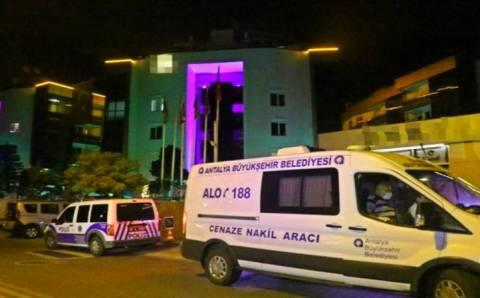 Полиция Анталии расследует загадочную смерть туриста