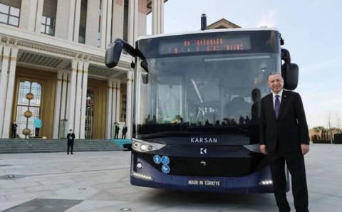 Эрдоган протестировал первый беспилотный электробус